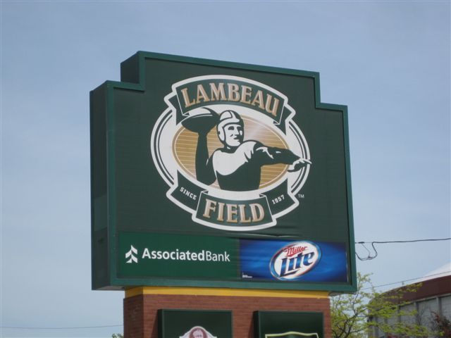 Green Bay Half Marathon 2010 010lambeau sign