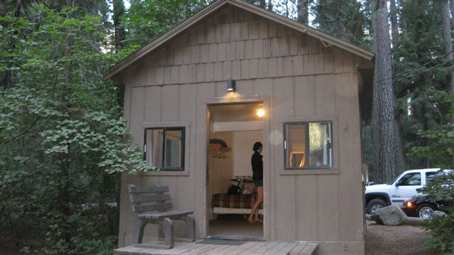 Here's the lil' cabin we stayed at. Bathroom NOT included.