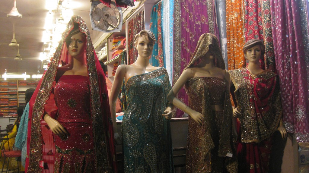 Some lovely haut couture for the Hindi fashionista in us all.