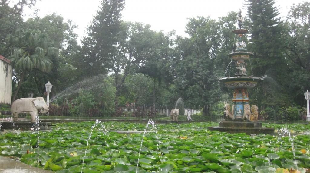 India 2010 686