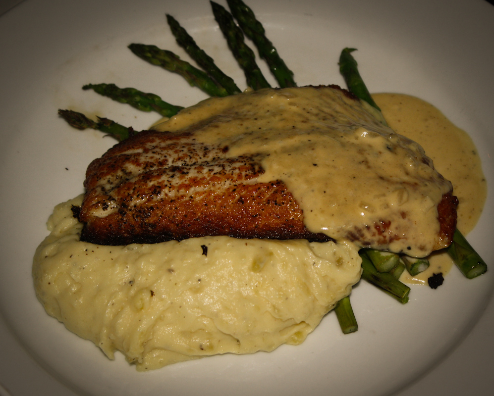 Special of the Day - Whitefish with mashed potatoes and asparagus