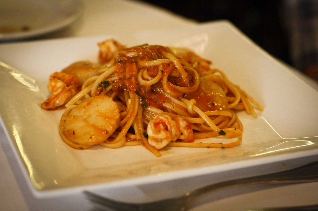 LINGUINE GAMBERI & CAPESANTE FRADIAVOLO - Shrimp and jumbo sea scallop in a spicy tomato sauce