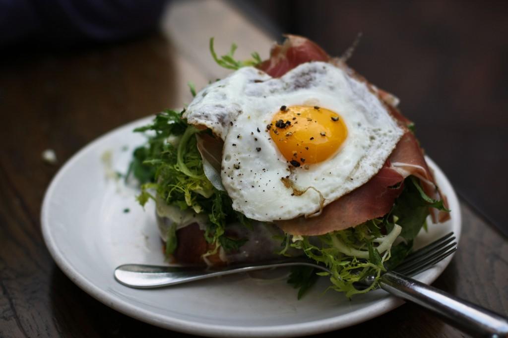 Brioche, prosciutto, gruyère & egg