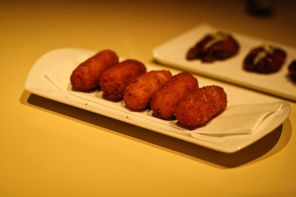 Croquetas de Pollo - Chicken Bechamel Fritters