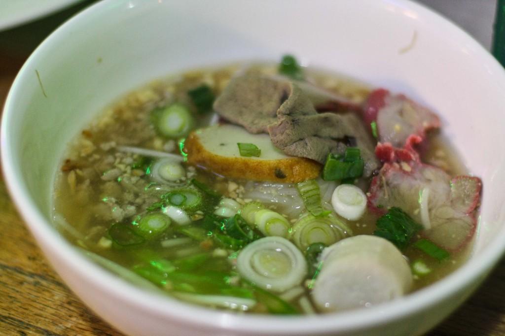Hoy Ka Noodle Soup - Pork