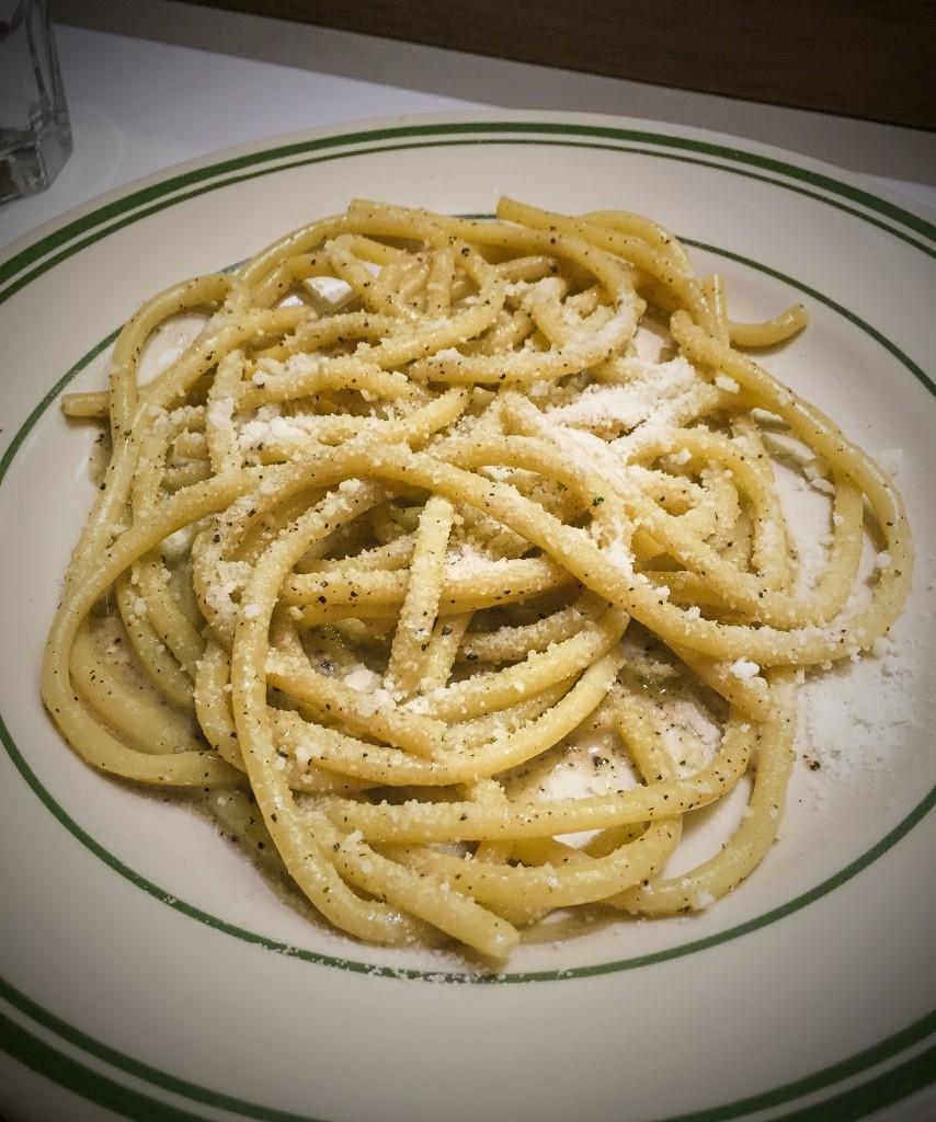 Bucatini, cacio e pepe, pecorino romano $17.75